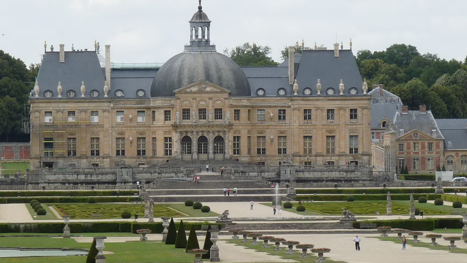 Let's take a walk in the garden at Vaux-le-Vicomte in Maincy, France